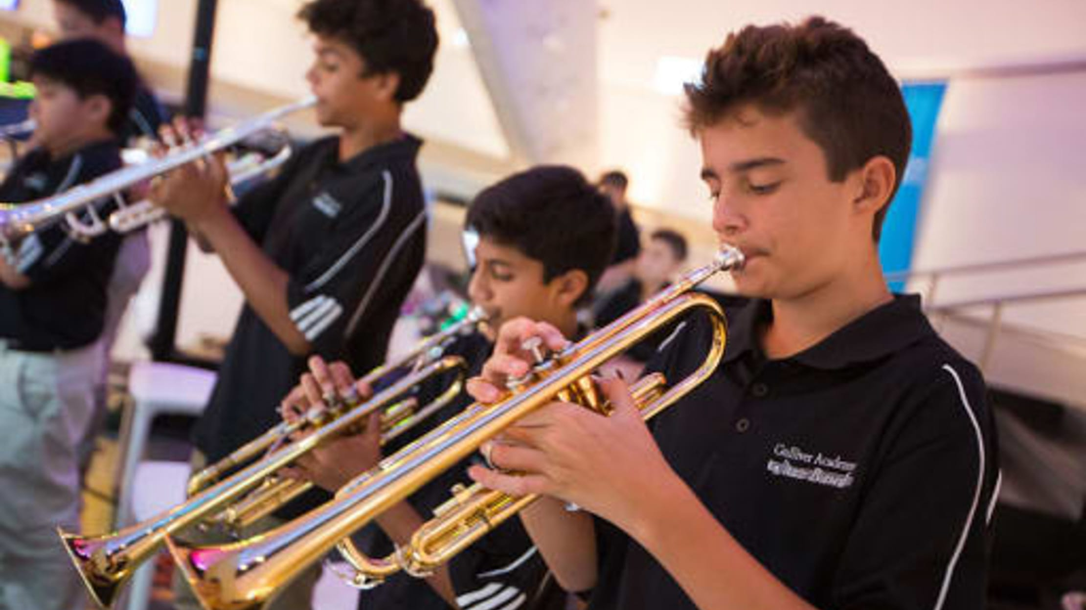 Middle school students in jazz class